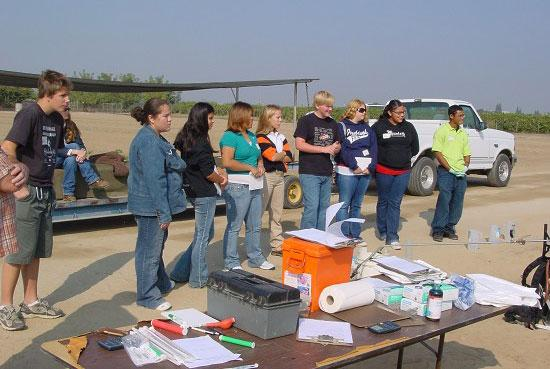 Students take a field tour at the Kearney Agricultural Research and Extension Center.